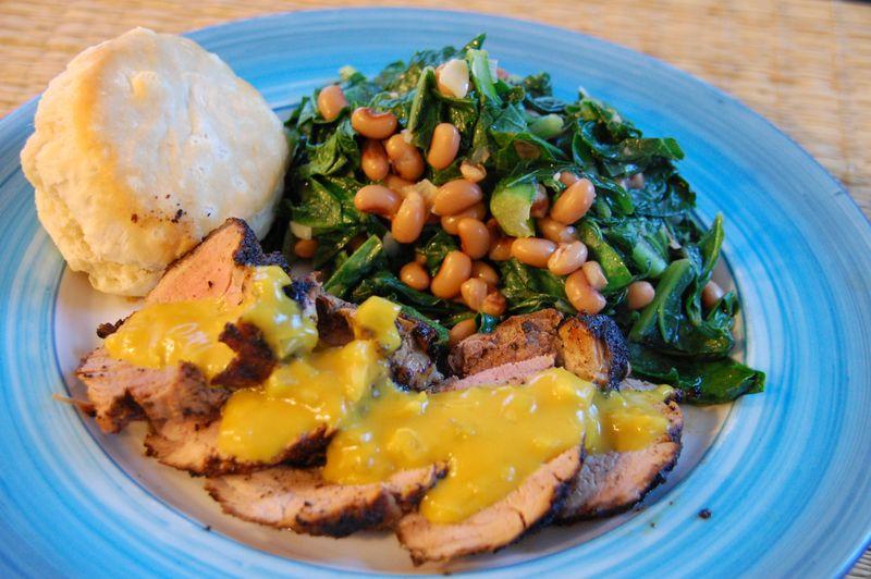 Lombo de Porco com mostarda e feijão fradinho